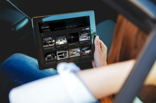 Preview image of Mercedes me media: Platform for digital live PR